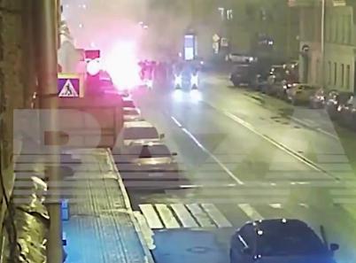 В Санкт-Петербурге активные националисты перекрыли проезжую часть