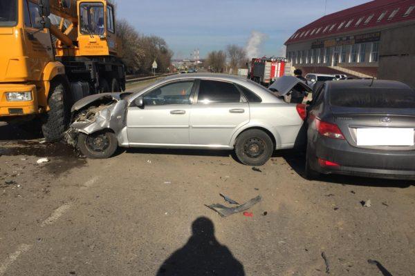 Водитель «Хендэ» спровоцировал тройное ДТП с пострадавшими в Буденновске