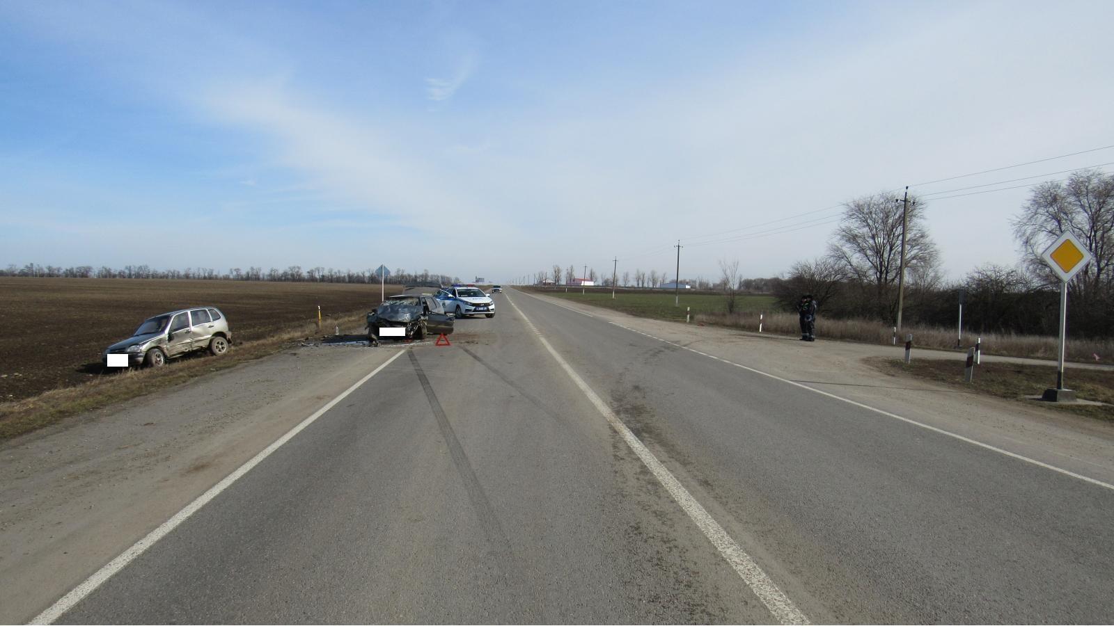 Ребенок и трое взрослых ранены в аварии на Ставрополье