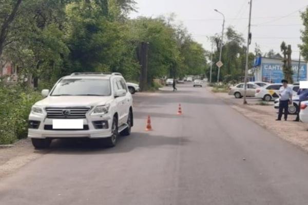 В Минводах под Lexus попала пенсионерка, переходившая дорогу