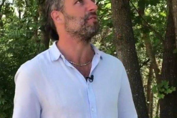 Ведущий программы «Поедем, поедим» сопоставил себя с муравьишкой в сравнении с масштабами Кисловодского парка