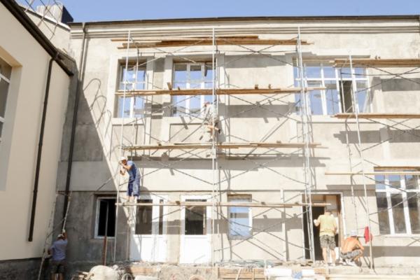 В конце года откроют после реконструкции гимназию № 11 в Пятигорске