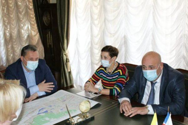 Мэр Пятигорска запретил своим подчиненным покидать пределы России