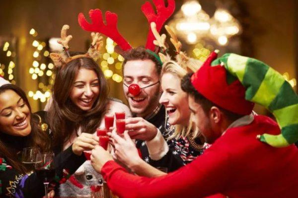 Ставропольчане отменяют новогодние корпоративы из-за «комендантского часа» в ресторанах