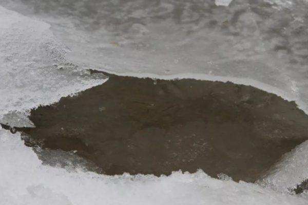 Ребенок провалился под лёд и погиб на Ставрополье